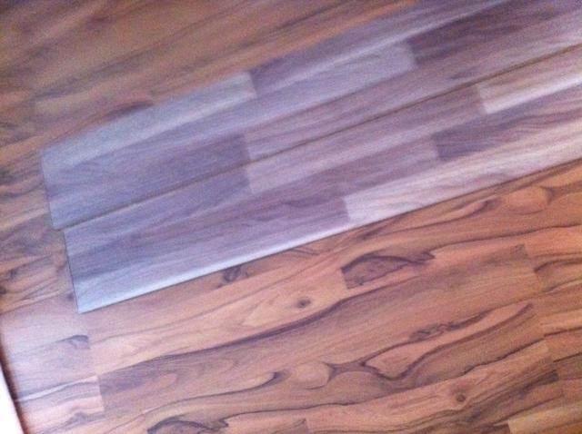Bodenbelag Im Wohnzimmer Erfahrungen Mit Nussbaum Laminat Hausbau