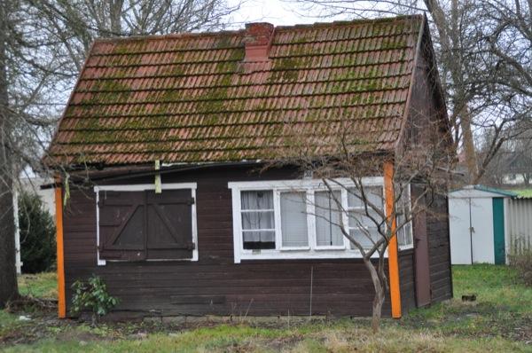 Reif für den Abriss -  das alte Haus