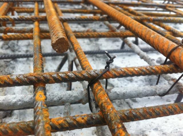 Verknüpfung der Stahl-Bewehrung mit der Filigrandecke