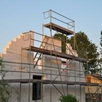 Rüstung, Netz und doppelter Boden – Hausbau im Obergeschoss