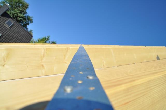 Eisen oder Stahl - Querlatte auf dem Dach