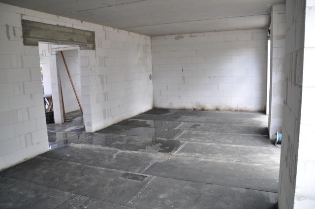 Wohnzimmer erstmal ohne Stützfeiler