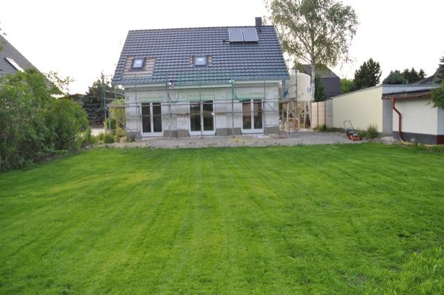 Haus mit Ansicht vom Rasen