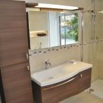 Waschtisch und Spiegelschrank als Komplett-Set