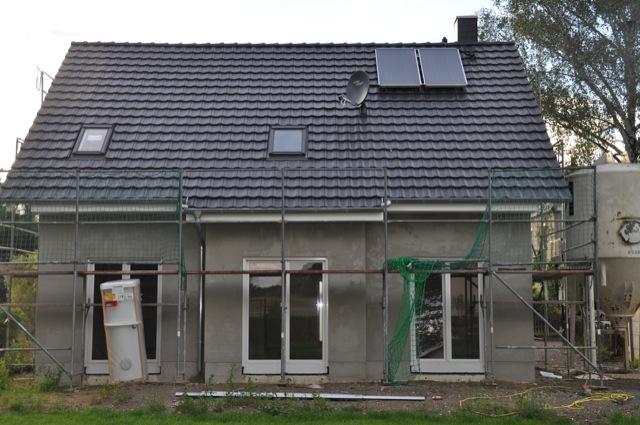 Sat-Anlage - Die Satelitten-Schüssel auf unserem Neubau