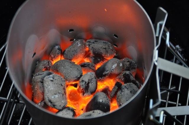 Anzündkamin für Kohle und Briketts