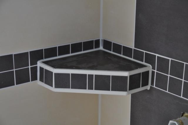 fliesen im bad fliesengestaltung f r dusche badewanne waschtisch hausbau blog. Black Bedroom Furniture Sets. Home Design Ideas
