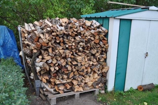 Holz Stapeln und Trocknen