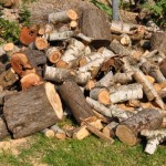 Holz ist geschnitten - nun gehts ans spalten