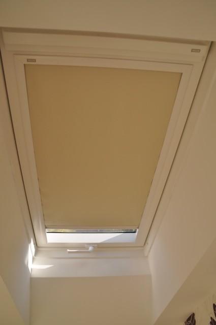 Verdunklungsrollo fürs Dachfenster