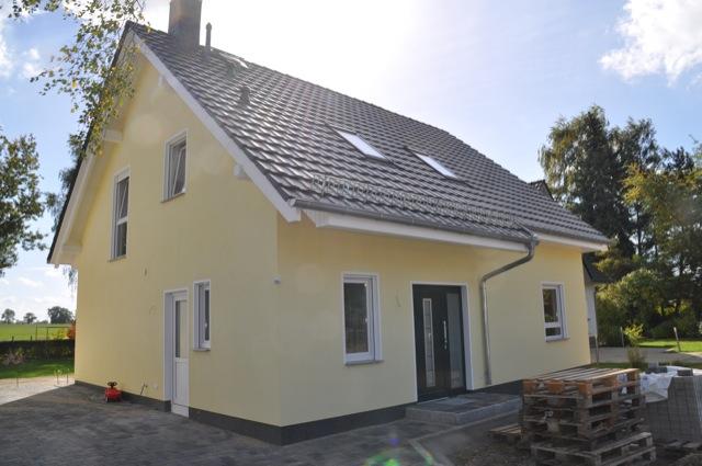 Bautagebuch geht vorran: Eingangstür beim Hausbau