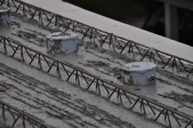 Einbaugehäuse für Spots in Filigrandecke und Betondecke