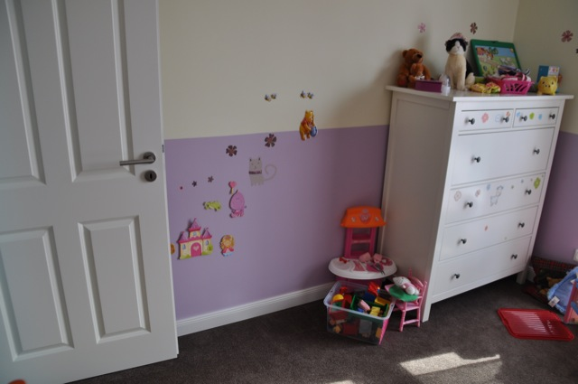 Farbgestaltung im Kinderzimmer: hell und dunkel