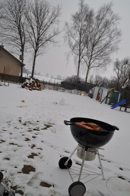 Ostern - Grillen im Schnee