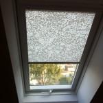 Dachfenster von Velux mit Sichtschutz-Rollo zur Verdunklung