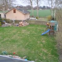 Rasen im Frühling – Vergleich mit und ohne Rasen-Düngung
