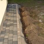 Pflastersteine - der verbreiterte Weg ums Haus