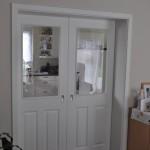 Schiebetür zwischen Küche und Wohnzimmer - Blick vom Wohnzimmer aus