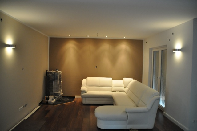 Malerarbeiten im Wohnzimmer: 3 Farben in hell und dunkel