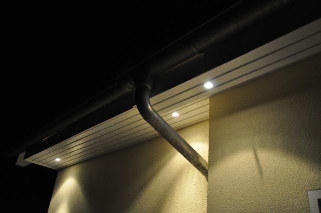 Halogen-Spots oder LED im Dachkasten?