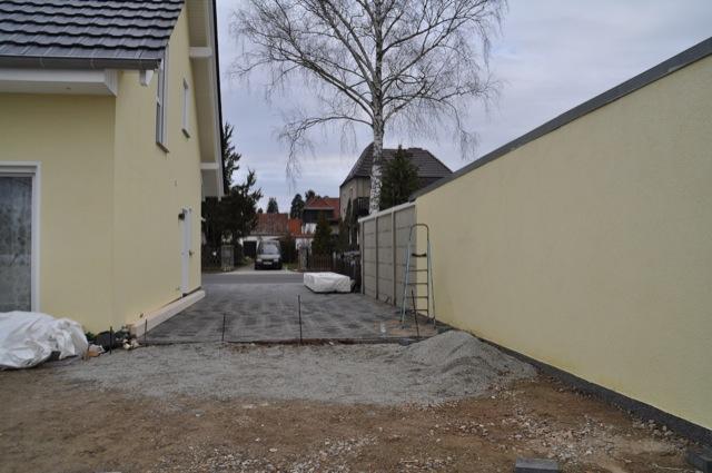 Fester Untergrund: Platz für den Carport und Terrassenüberdachung