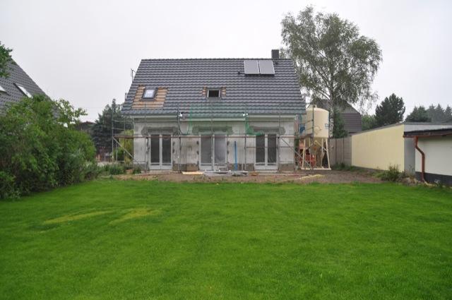 Dacharbeiten am neuen Haus sind fast fertig
