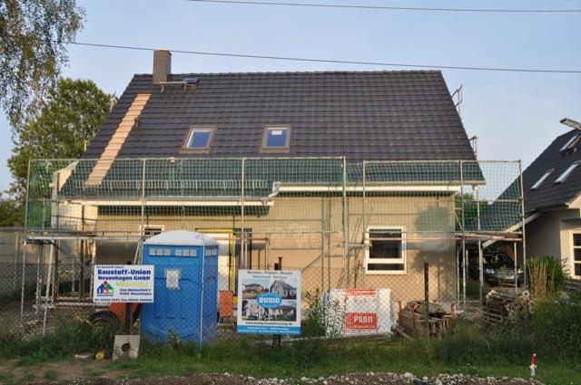 Hausbau: Dach wurde gedeckt