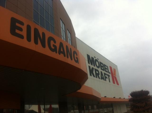 Eingang von Möbel Kraft in Vogelsdorf 2014