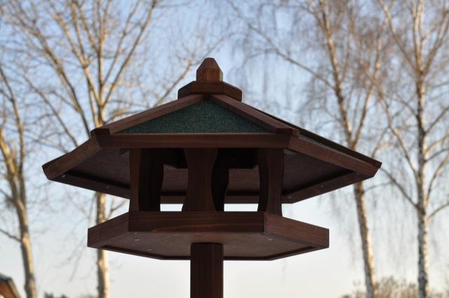 Vogelhaus - gekauft ist manchmal besser als selbst gebaut