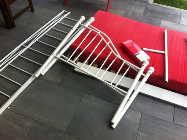 Gebrauchtes Bettgestell fürs Gartenbett