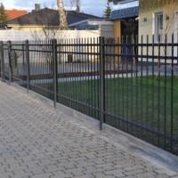 Erfahrungsbericht: Zaun aus Polen – Angebote für schmiedeeisernen Zaun & Schiebetor