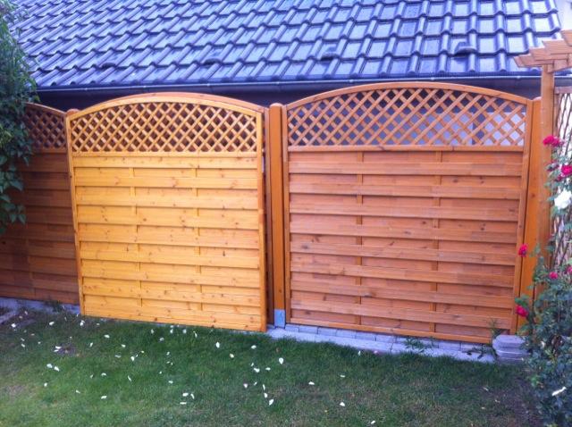 Sichtschutz aus Holz - Verfärbung des Gartenzauns
