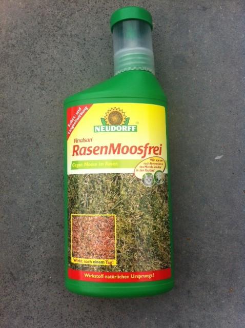 Moosvernichter: Moosentferner für Rasen