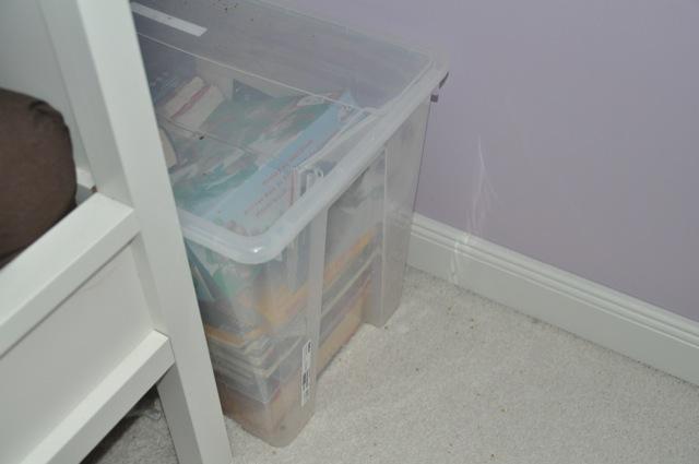 Kisten zur Aufbewahrung im Schlafzimmer