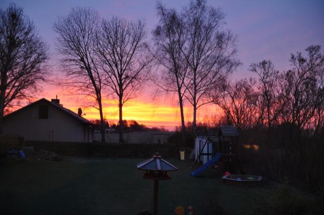 Sonnenaufgang im Dezember vom Wohnzimmer aus