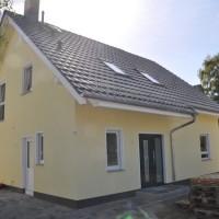 Gelbe Wandfarbe & weiße Türfaschen: Schutz vorm Abplatzen?