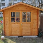 Dieses Gartenhaus aus Holz ist ein Gerätehaus