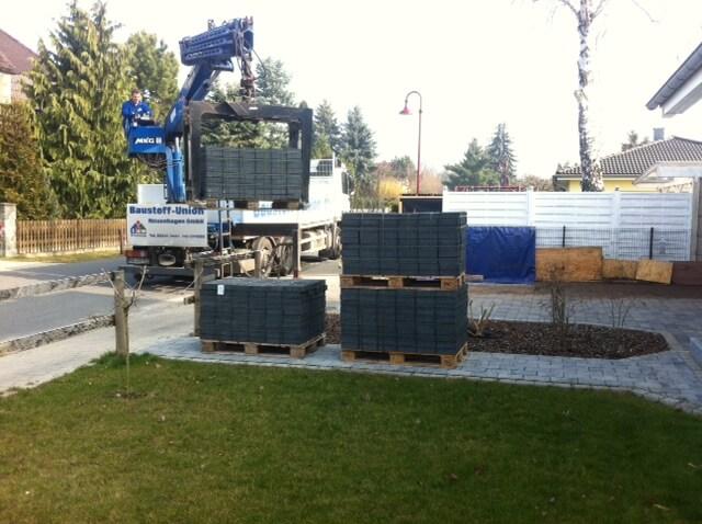 Anlieferung Pflastersteine mit LKW