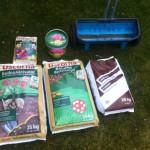Rasenpflege im Frühjahr - Dünger, Kalk & Bodenaktivator
