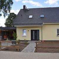 Foto-Vorstellung: Schmiedeeiserner Zaun aus Polen mit freitragendem Schiebetor