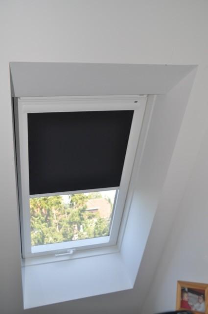 Nachträglich ein Rollo fürs Dachfenster anbringen? Nix leichter als das