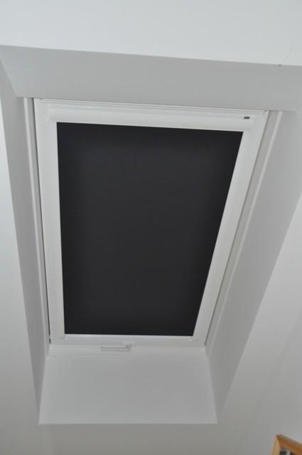Rollo für Dachfenster zur Verdunkelung und als Hitzeschutz