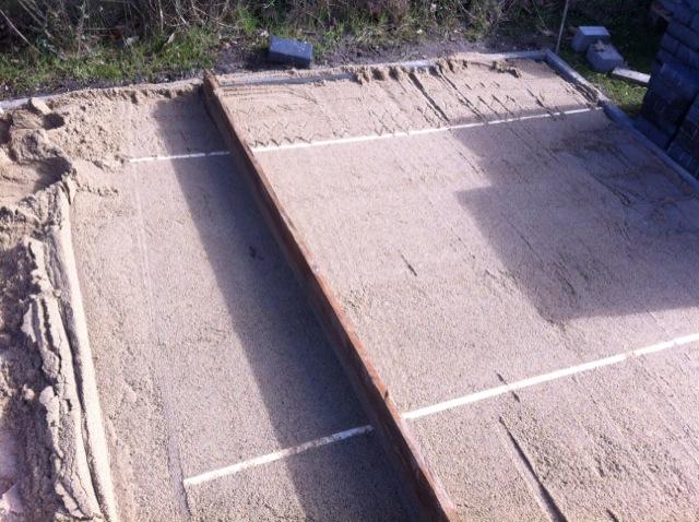 terrasse selber pflastern anleitung pflasterarbeiten gartenterrasse hausbau blog. Black Bedroom Furniture Sets. Home Design Ideas