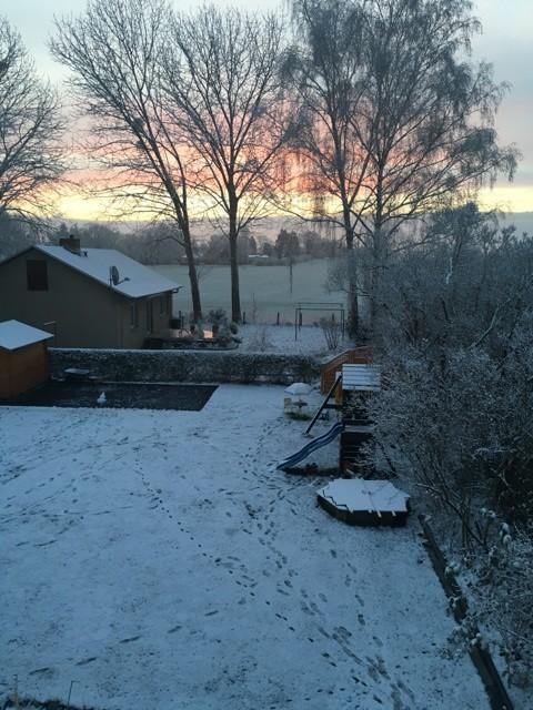 Schneelandschaft am Morgen