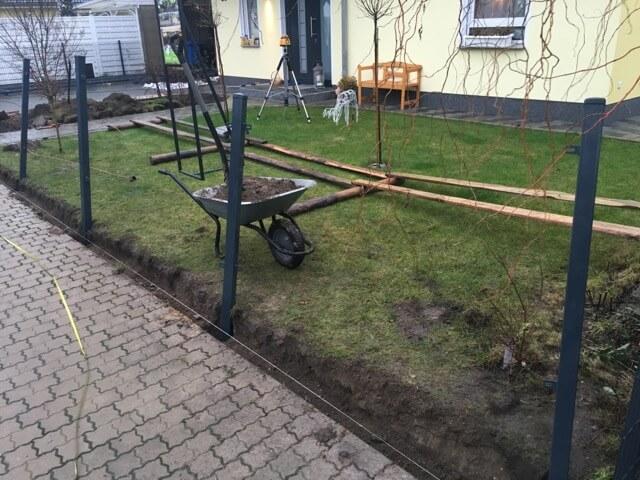 Probestellen der Zaunpfeiler