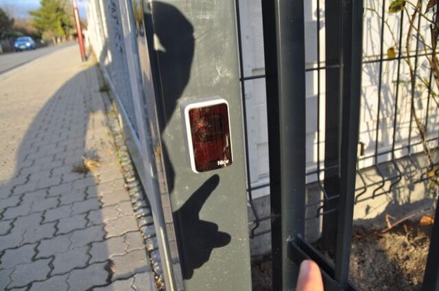 Fotozelle: Lichtschranke als Sensor für das elektrische Schiebetor