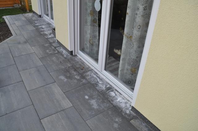 Beliebt Kalkausblühungen auf Terrassenplatten – Hilft Salzsäure gegen FI89