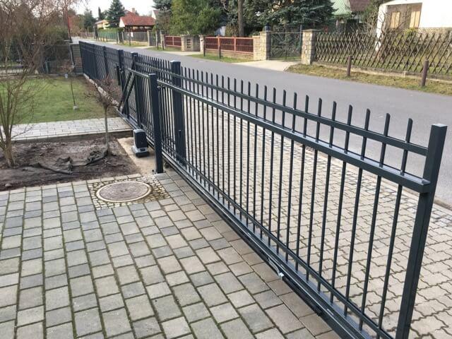 Zaun wurde erfolgreich aufgebaut