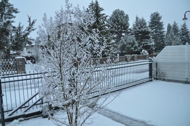 Schneelandschaft - Zaun im Winter