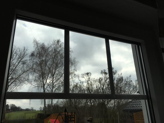 Blick von innen auf die Fenstersprosse